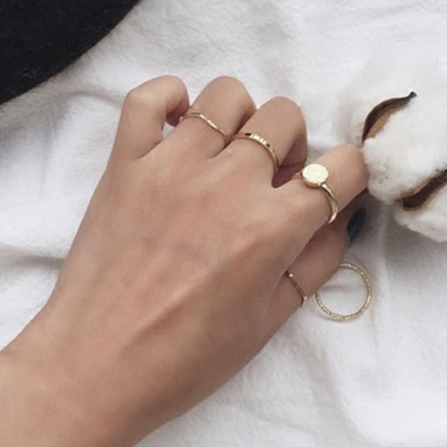Σετ 5 Δαχτυλίδι Με Μεταλλικό Σχέδιο