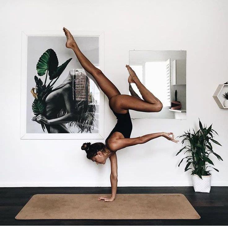 Μένουμε σπίτι: 10+1 λόγοι για να ξεκινήσεις yoga σήμερα!