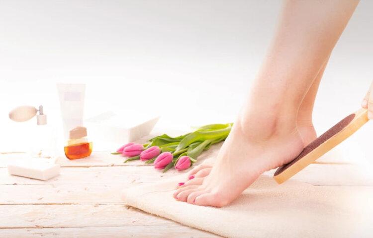 Το χειροποίητο πίλινγκ για τέλεια και βελούδινα πόδια - Cante.gr